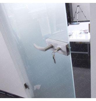 Drzwi szklane system bez ościeżnic mocowane do ściany drzwi zdjęcie z realizacji 2
