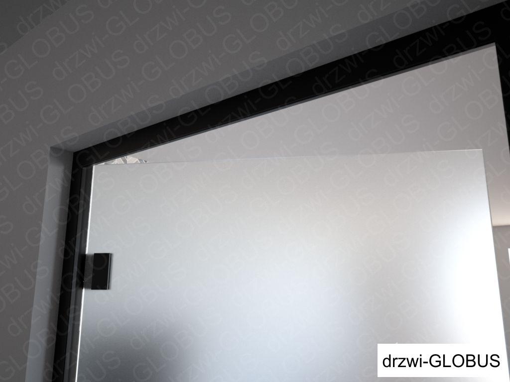 Drzwi szklane otawierane w futrynie aluminiowej czarnej, ujęcie na górny poziom futryny